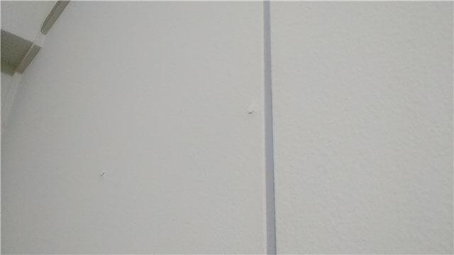 ビレッジハウスは汚い?内見時に確認すること 壁の様子 釘や塗装でボコボコ
