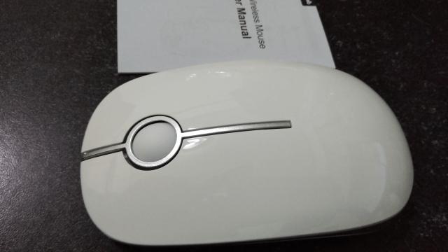 Jelly Combのワイヤレスマウスレビュー 本体と取り扱い説明書
