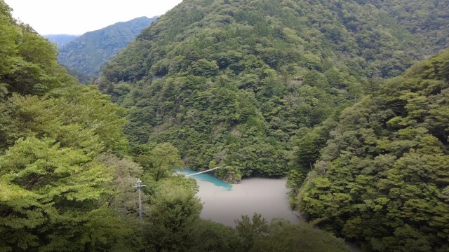 寸又峡 夢のつり橋 雨の翌日 水面が濁る